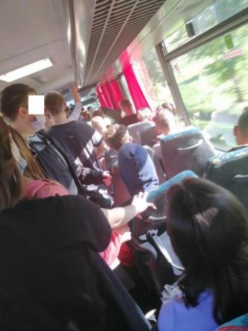 Pasażerowie upchnięci jak szprotki to zagrożenie! Co na to przewoźnik?