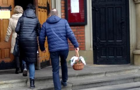 Kolejne święta bez rodziny. Będzie lockdown na Wielkanoc?