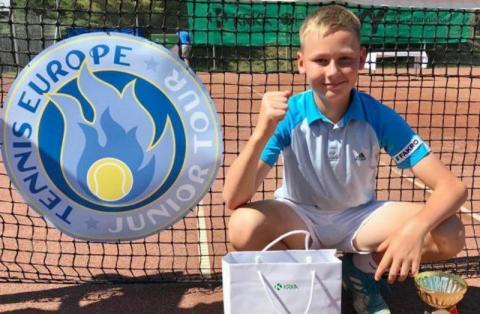 Ma tylko trzynaście lat. Rośnie nam w Sączu przyszły mistrz Wimbledonu?
