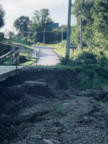 Chełmiec: gmina osuwisku nie odpuści. Naprawią drogę w Woli Kurowskiej