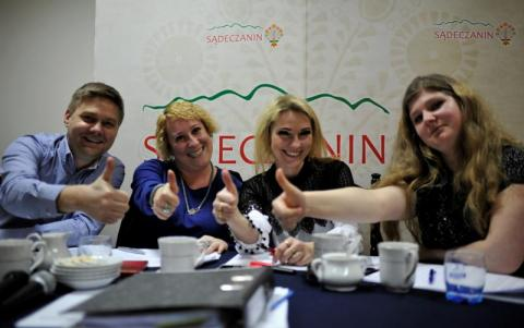 wspaniale jury konkursu sadeckie mlode talenty