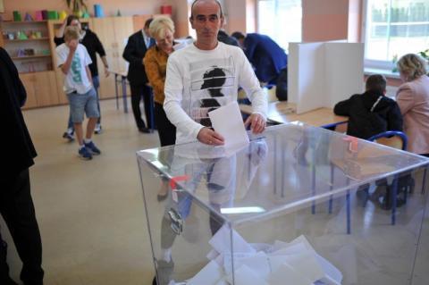 Wybory prezydenckie 2020: projekt głosowania korespondencyjnego dla wszystkich