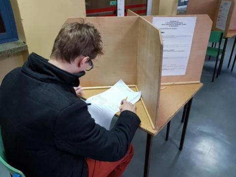 """Kogo chcemy na prezydenta. Sonda Sądeczanina"""" kontra sondaż ogólnopolski"""