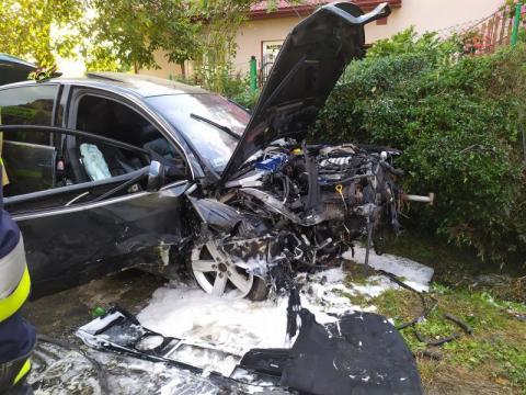 Z samochodu został wrak. Wypadek w Mogilnie