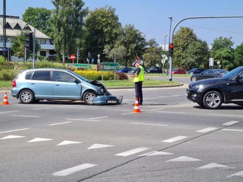 """""""Piątek z drogówką"""": na tym rondzie ciągle dochodzi do wypadków i kolizji"""