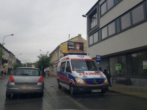 Pogotowie i policja na ul. Długosza. Co tam się stało?