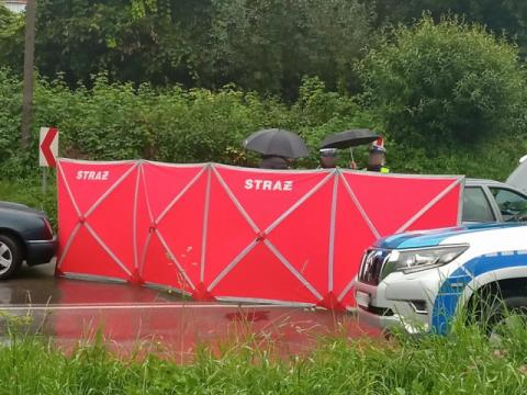 Tragiczny wypadek w Brzanie. Nie żyje 51-letnia kobieta, dwie osoby w szpitalu