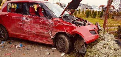 Groźny wypadek w Siołkowej. Osobówka zderzyła się z ciężarówką [ZDJĘCIA]