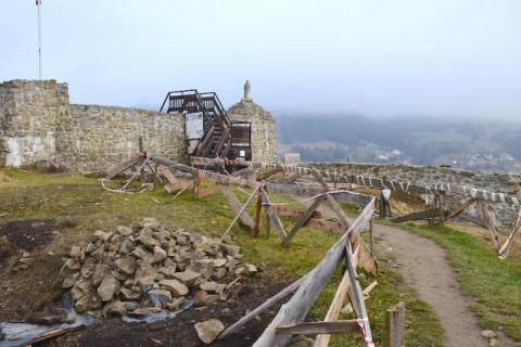 czytaj też:Zamek w Muszynie będzie rekonstruowany. Prace ruszają w tym roku, jest wykonawca