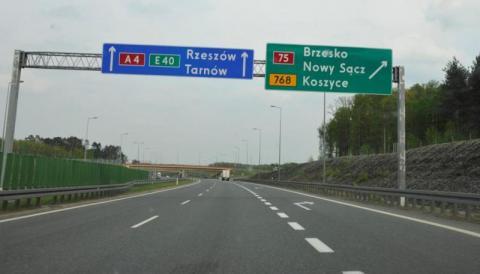 Nowa droga do Brzeska z dwoma tunelami. Kto chce rozbroić to nowe pole minowe