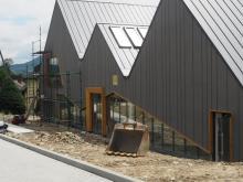 Tak rósł najoryginalniejszy budynek w regionie: nowa biblioteka w Przysietnicy