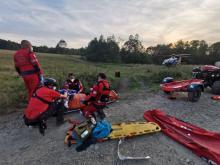 Wypadek w Beskidach. Turyści reanimowali swojego kolegę, przyleciał po niego LPR