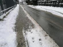 Nowy Sącz: chodniki jak tor przeszkód. Jak nie odśnieżysz, będzie mandat