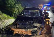 Samochód, którym podróżowali, dachował na DK-75. Obaj trafili do szpitala