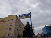 Nowy Sącz: nie żyje 38-latek. Policja ustala dlaczego wypadł z okna