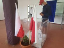 Wyborcy nowosądeccy karnie przestrzegają reżimu sanitarnego!