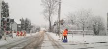 Nowy Sącz – miasto pod śniegiem. Drogowcy toczą nierówną walkę z panią zimą