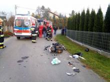 Skuter zderzył się z samochodem. Ranny mężczyzna trafił do szpitala