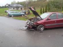 Trzy zniszczone auta a jedna osoba ma uszkodzony kręgosłup. Ucierpiało też dziecko