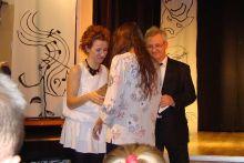 Jolanta Mrówka odbiera gratulacje