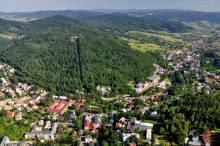Krynica: Góra Parkowa z klimatem międzywojnia: egzotyka, ekstremalny sport i wielka sztuka
