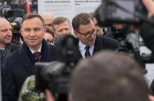 Duda czuje na plecach sondażowy oddech Trzaskowskiego. Kto wygrałby w Sączu?