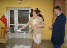 Iwona Mularczyk głosuje w II turze wyborów, Fot. Iga Michalec