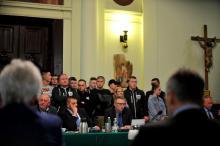 Kibice Sandecji na sesji Rady Miasta