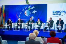 uropa Karpat – forum spotkań i dyskusji o zachowaniu unikatowego bogactwa kultury i przyrody Europy Środkowej, o regionie, Trójmorzu i Unii Europejskiej