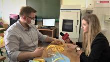 PWSZ wspiera szpitale. Przyłbice ochronne powstają na drukarkach 3D [WIDEO]