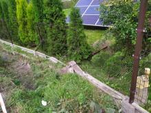 Staranował ogrodzenie prywatnej posesji. Co się stało w nocy w Kamionce Wielkiej