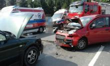 Jak to możliwe? Na drodze zamkniętej dla ruchu zderzyły się trzy samochody!