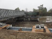 Ekspresem stawiają most na Kamienicy. Już robią drugie przęsło