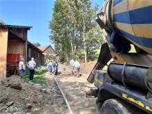 Inwestycja drogowa w Niecwi. Jak długo wiąże beton?
