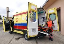 Ambulanse do wymiany. Sądeckie pogotowie dostało nową karetkę wartą pół miliona