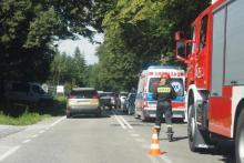 Samochód uderzył w rowerzystę. Ciężko ranny mężczyzna trafił do szpitala