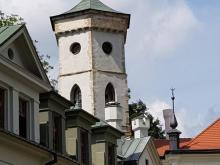 Jak wskrzesili tajemniczy zegar z  pałacowej wieży w Nawojowej [ZDJĘCIA]