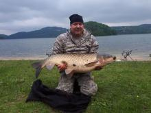 Jezioro Rożnowskie też ma swojego potwora! Widzieliście już takiego amura?
