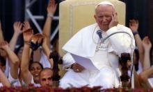 15 lat temu, dokładnie 2 kwietnia 2005 roku o godz. 21.37, pożegnaliśmy ukochanego Papieża Polaka, Jana Pawła II. W tym szczególnym dla nas dniu pamięć o nim jest wciąż żywa - zwłaszcza w Małopolsce, jego rodzinnych Wadowicach, ukochanym Krakowie i wielu innych miejscach z nim związanych.