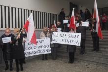 Protest w sądeckim sądzie. Pracownicy chcą podwyżki