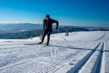 Biegacz narciarski Robert Faron na trasie