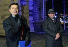 Ryszard Nowak na demonstracji KOD