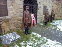 Pod zamkiem uczczono pamięć żołnierzy poległych w obronie ojczyzny[WIDEO]