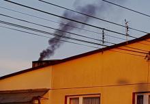 Co się pali w sądeckich piecach? Porażające wskazania smogowego pyłomierza