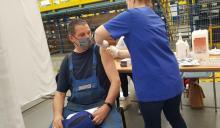Pracownicy i rodziny pracowników Newagu dziś szczepią  się w swej firmie