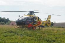 60-latek spadł z dużej wysokości. Przyleciał po niego śmigłowiec ratowniczy