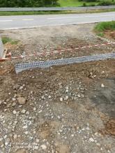 Absurd w Zubrzyku: gminna droga urywa się tuż przed drogą wojewódzką