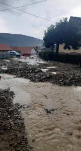 Łącko: powodzie błyskawicznie nieubłaganie siały zniszczenie. Jest źle [WIDEO]