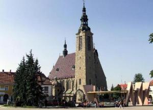 Kardynał i pięciu biskupów na Wielkim Odpuście w Limanowej