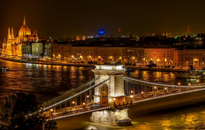 U nas bitwa o Rzeszów, na Węgrzech bitwa o Budapeszt - start kampanii wyborczej